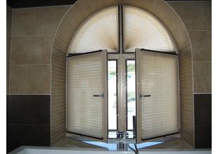 Плиссе гармонично вписывается в интерьер любой комнаты