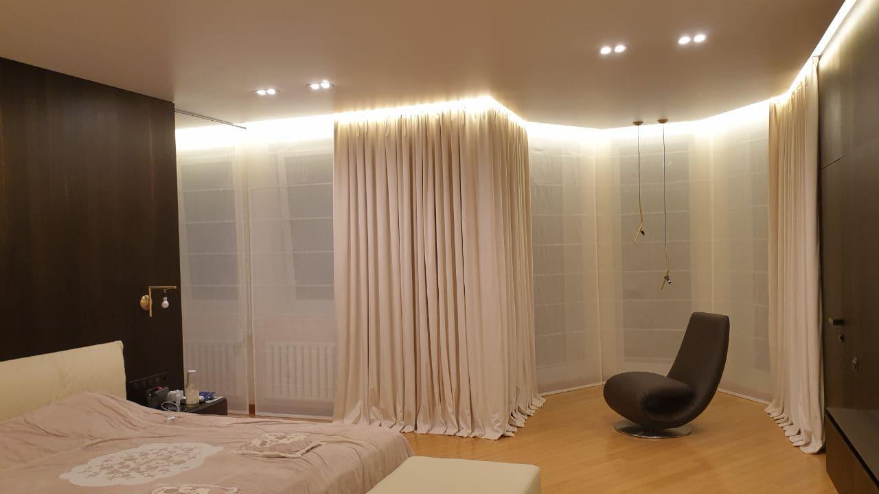 на фото изображены штор в спальню