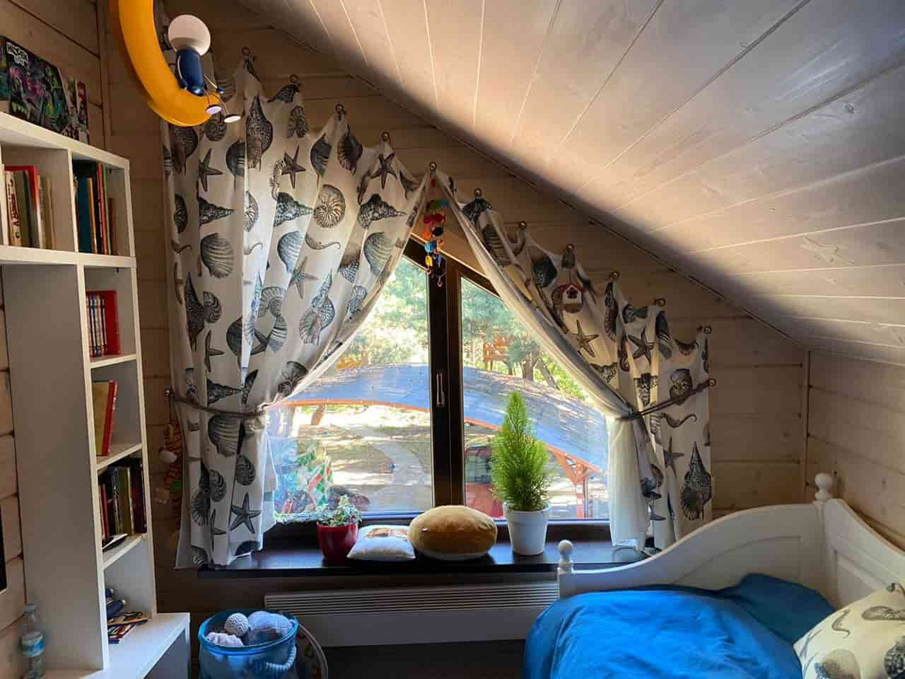 На фото 3 - шторы для детской комнаты
